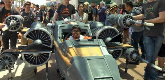 wheelchair-costumes-at-comic-con-2