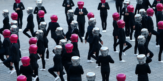 [French] Flashmob et impression 3D pour le lancement de nouvelle collection ModelCo + Karl Lagerfeld